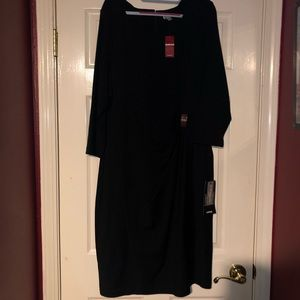 Black 3/4 sleeve dress with gold ring